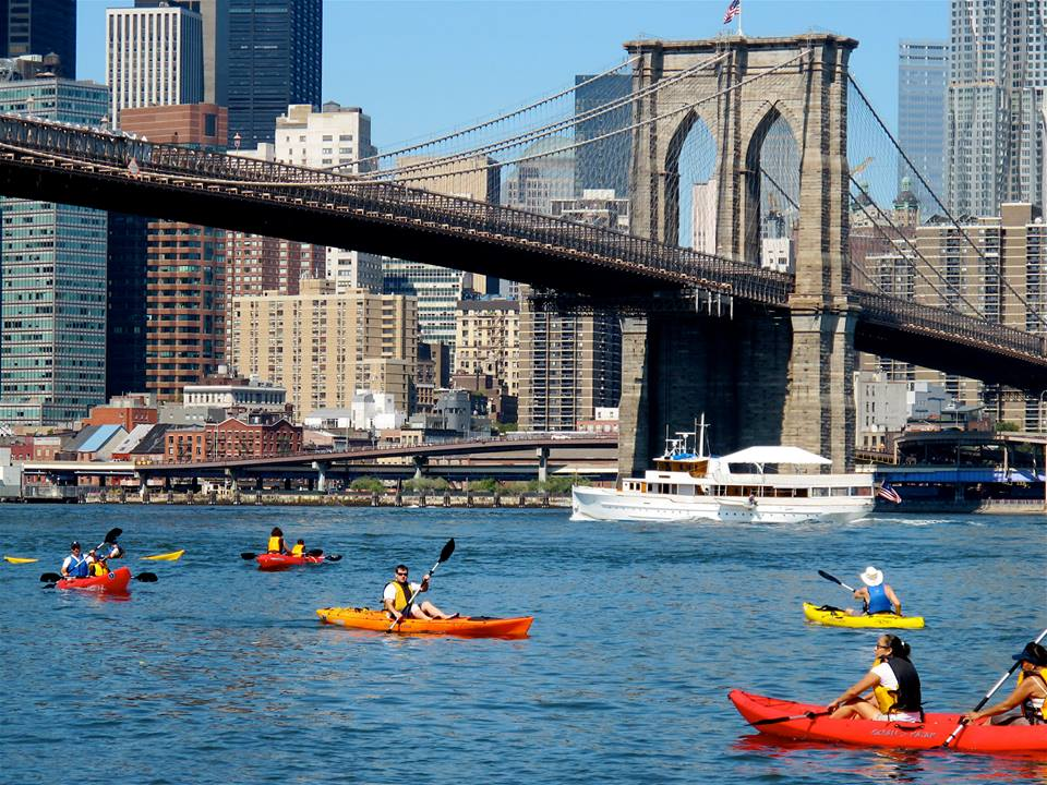 Brooklyn Bridge Park Boathouse offers Free Kayaking NYC
