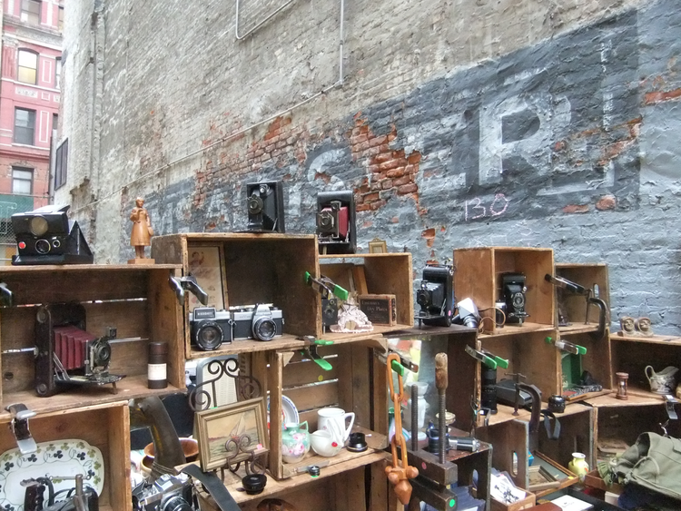 outdoor vintage flea markets and farmers market in nyc and brooklyn