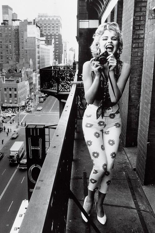 Marilyn Monroe on New York Building