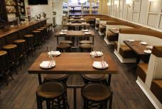 Washington Market Tavern | Washington Market Tavern defines modern tavern dining, offering food and drinks that are sophisticated yet familiar.