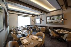Juni Dining Area
